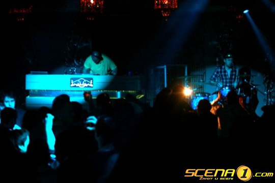 scena1 1 20100213 1174072351 Video: Phat Phillie & Saša Maček @ TIPITV Party