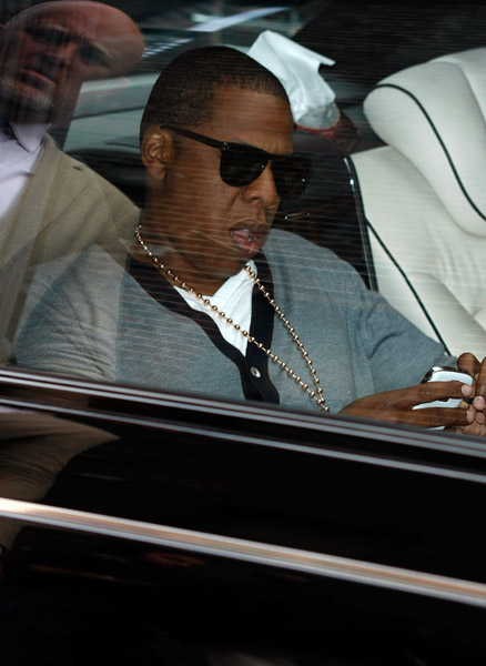 jay z arrives at david letterman show maybach white blackberry bold sept 9 2009 Jay Z   Maybach Music 2 (The Lost Verse)